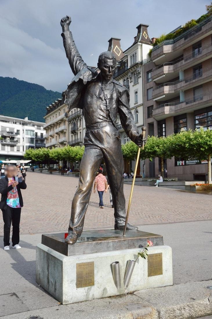 Freddie Mercury statue on the shore