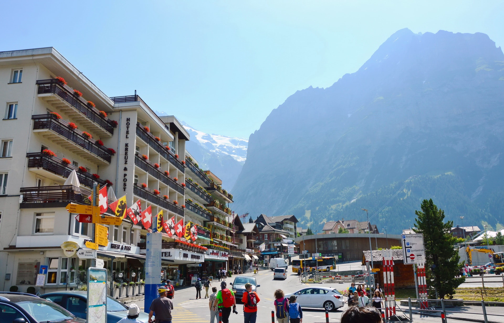 You have a couple of minutes to enjoy Grindelwald before going up